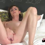 Shemale – Femout.xxx presents Jenna Plays In Pink – 14.09.2016 (mp4, HD, 1280×720)