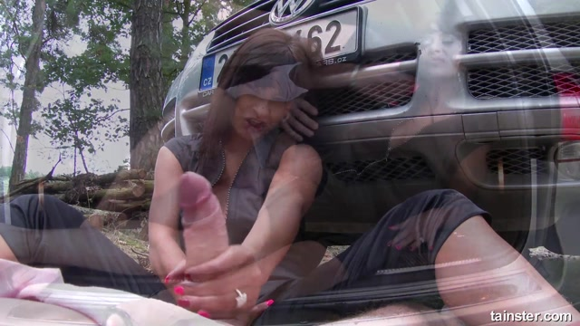FullyClothedSex_presents_Tera_Joy_-_Outdoor_Fully_Clothed_Sex_Turns_Tera_On_-_22.09.2016.mp4.00012.jpg