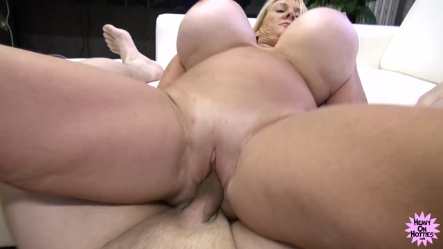 HeavyOnHotties_presents_Mature_Kayla_Kleevage_in_Action.mp4.00005.jpg