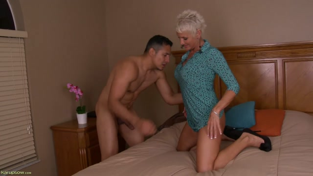 KarupsOW_presents_Lexy_Cougar_Blowjob_-_15.09.2016.mp4.00001.jpg