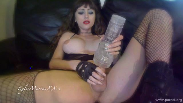 Kylie_Maria_-_Kylies_New_Fleshlight_-_04.09.2016.mp4.00003.jpg