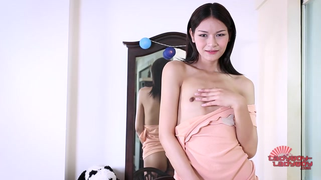 Ladyboy-ladyboy_presents_Sexy_Pons_Long_Legs__-_08.09.2016.mp4.00006.jpg