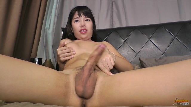Ladyboy.xxx_-_Stunning_Yuki_Plays_With_Her_Sexy_Cock__-_31.08.2016.mp4.00011.jpg