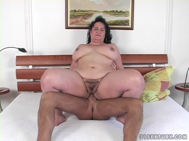 Watch Online Porn – LustyGrandmas presents Mature BBW RoseAnne Sucking and Fucking Young Dick (MP4, SD, 720×540)