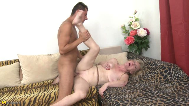 Janka plays with her pussy 3