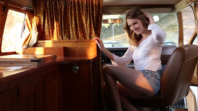 Met-Art_presents_Ashley_Lane_in_Fantasy_Caravan_-_06.09.2016.mp4.00004.jpg