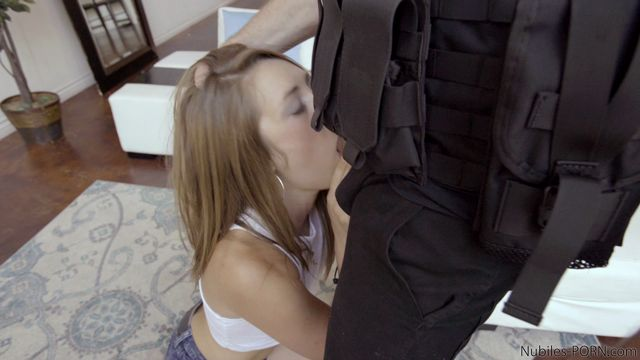 Watch Online Porn – Nubiles-Porn presents Kirsten Lee & Preston Parker in Bounty Hunters Kirsten Lee – 19.09.2016 (MP4, FullHD, 1920×1080)