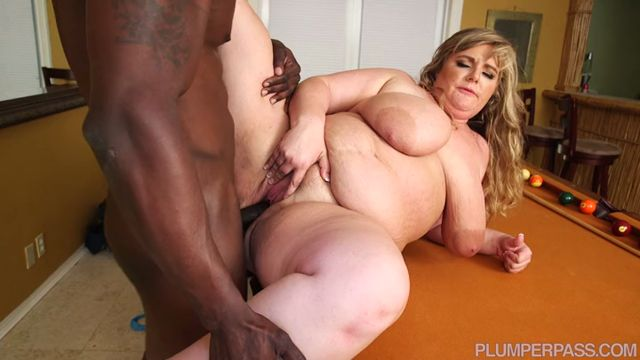 PlumperPass_presents_Veronica_Vaughn_in_She_Breaks_Balls_-_16.09.2016.mp4.00008.jpg