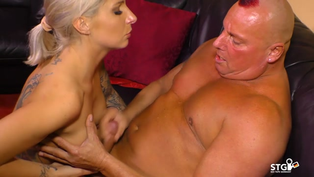 Porndoepremium_-_SextapeGermany_presents_Samy_Fox__Robin_Dick_in_Tattooed_blonde_German_badass_bitch_fucks_on_cam_for_first_time_porn_-_20.09.2016.mp4.00014.jpg