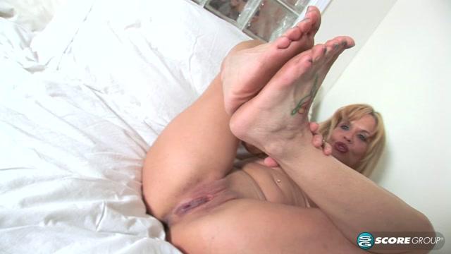 Pornmegaload_-_LegSex_-_Lola_Love_-_Slutty_Soles_-_06.09.2016.mp4.00013.jpg
