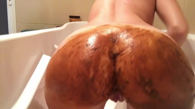Scatshop_presents_Josslyn_Kane_in_Smearing_in_bathtub.mp4.00001.jpg