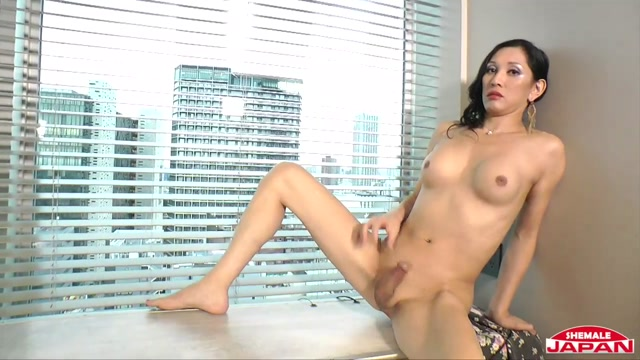 Shemalejapan_presents_Worship_Miss_Winston_-_19.09.2016.mp4.00015.jpg