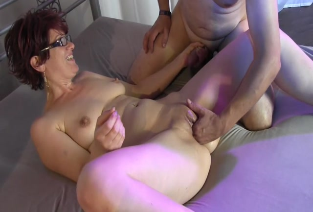 Sicflics_presents_Intense_fist_fucking_orgasms_-_19.09.2016.mp4.00005.jpg