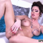 Spizoo – Jessica Jaymes Plays White – 02.09.2016