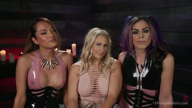 TSPussyHunters_presents_Kelli_Lox__Jessica_Fox__Angel_Allwood_in_Angel_Allwood_is_the_gift_that_keeps_on_giving_and_receiving_head_-_26.09.2016.mp4.00000.jpg