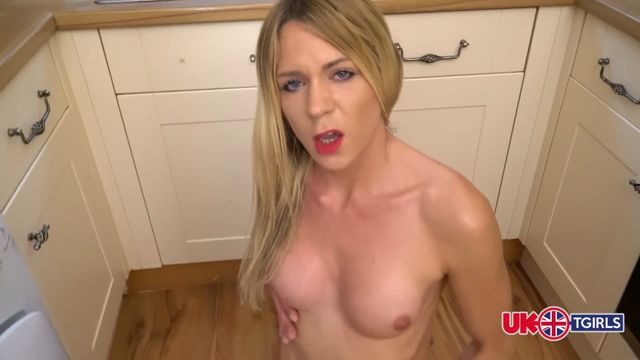 Watch Online Porn – UK-tgirls presents Karla Cox Kitchen Capers! – 15.09.2016 (MP4, FullHD, 1920×1080)