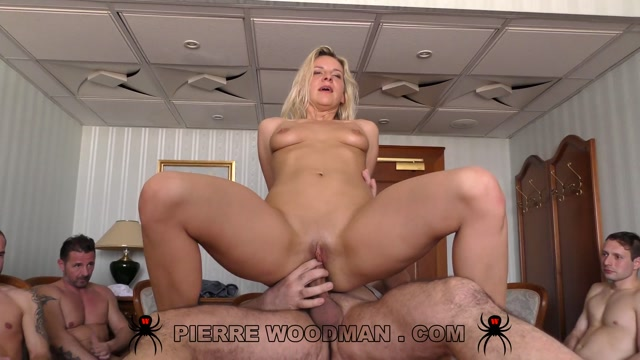 WoodmanCastingX-_Bianca_Ferrero_Hard_Destroyed_by_12_Men.mp4.00012.jpg