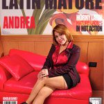 Mature.nl presents Andrea M. (36) in Latin mature ladies getting wet – 31.10.2016