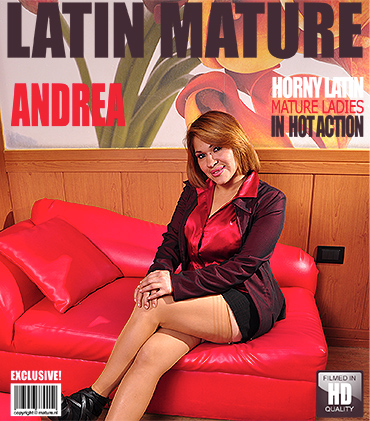 1_Mature.nl_presents_Andrea_M.__36__in_Latin_mature_ladies_getting_wet_-_31.10.2016.jpg