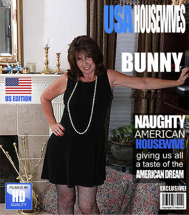 1_Mature.nl_presents_Bunny_J.__53__in_Beautiful_mature_lady_showing_herself_-_28.10.2016.jpg