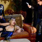 Brazzers – BrazzersExxtra presents Zoey Monroe in Trick And Treat – 29.10.2016