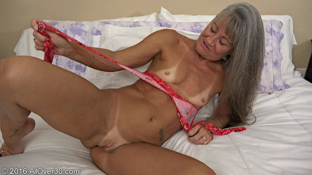 Allover30_presents_Leilani_Lei_51_Years_Old_Ladies_with_Toys_-_31.10.2016.wmv.00003.jpg