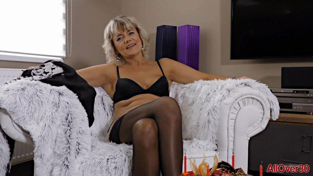 Watch Online Porn – Allover30 presents Sherry D 51 Years Old Interview – 25.10.2016 (WMV, FullHD, 1920×1080)