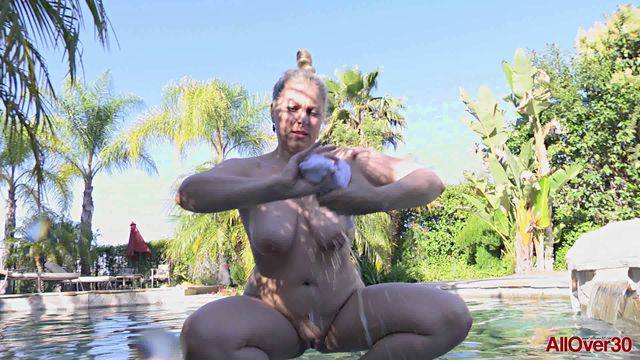 Allover30_presents_Zoey_Tyler_38_Years_Old_Nudism___Outdoors_-_25.10.2016.wmv.00007.jpg