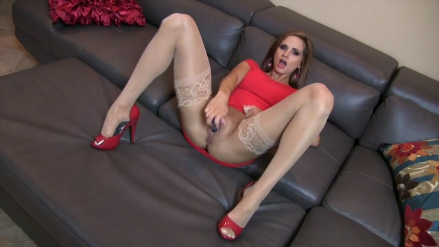 Ashley_Sinclair_-_Basic_Instinct_Masturbation.mp4.00012.jpg