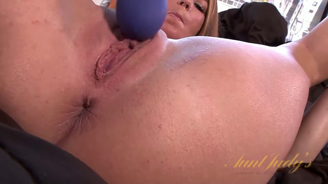 Watch Online Porn – AuntJudys presents Lexi Leigh Toys – 12.10.2016 (MP4, FullHD, 1920×1080)