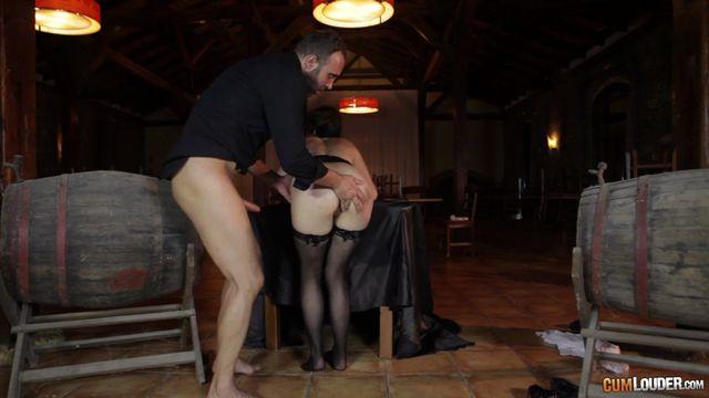 Watch Online Porn – CumLouder – BitchConfessions presents Liz Rainbow in Cabernet Squirtignon – 05.10.2016 (MP4, SD, 720×404)