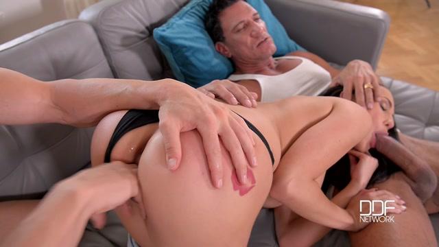 Watch Online Porn – DDFNetwork – HandsOnHardcore presents Nicole Love in Dream Teen – A College Babe's Double Penetration Sensation – 07.10.2016 (MP4, HD, 1280×720)