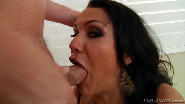 EvilAngel_presents_Samia_Duarte_in_Lusty_MILFs_Slobbery_Anal_Date.mp4.00003.jpg
