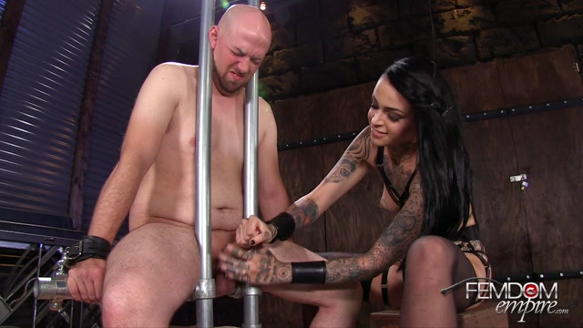 FemdomEmpire_presents_Leigh_Raven_in_Ruined_to_Please_-_13.10.2016.mp4.00009.jpg