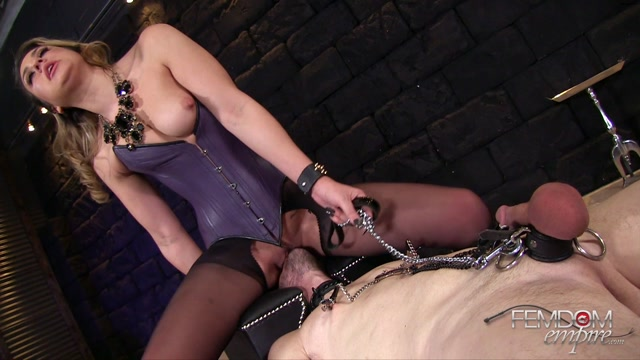 Femdomempire_presents_Kylie_Kalvetti_in_Pain_Gives_Pleasure_-_24.10.2016.mp4.00013.jpg