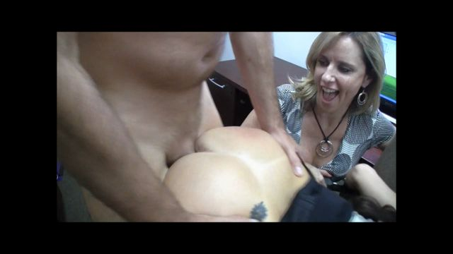 Jodi_West_-_MILF_Special_Delivery_HD.wmv.00014.jpg