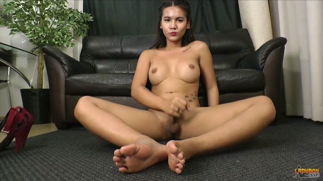 Ladyboy.xxx_presents_Stunning_Miki_Plays_With_Her_Cock__-_31.10.2016.mp4.00014.jpg