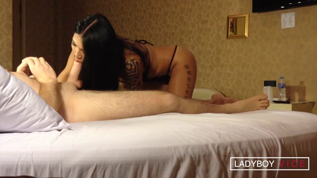 Ladyboyvice_presents_Benzey_in_Oiled_Cock_and_Jizz_Mouthful_-_19.10.2016.mp4.00003.jpg