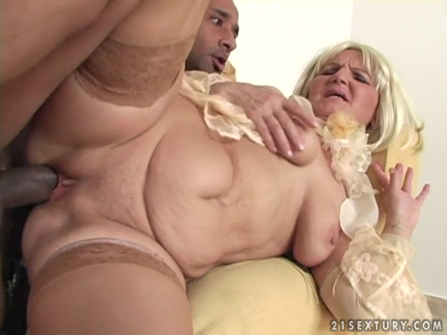 LustyGrandmas_presents_Hot_Mature_Marianne_with_Black_Guy.mp4.00013.jpg