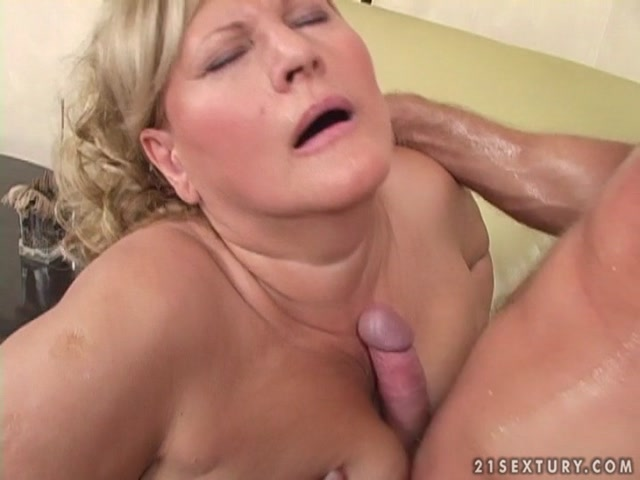 LustyGrandmas_presents_Mature_Lotta_Noletty_Fucking_Hard.mp4.00015.jpg