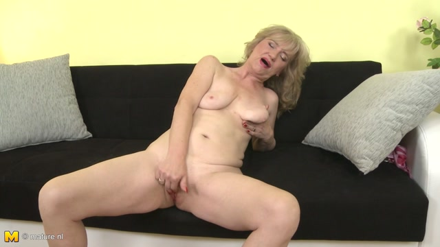 Watch Online Porn – Mature.nl presents Janka E. (55) in Horny Older Lady Fooling Around – 17.10.2016 (MP4, FullHD, 1920×1080)
