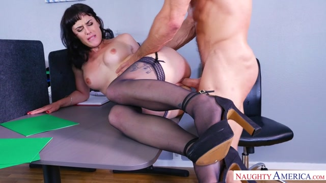 Watch Online Porn – NaughtyAmerica – NaughtyOffice presents Olive, Johnny Castle in Naughty Office – 13.10.2016 (MP4, SD, 854×480)