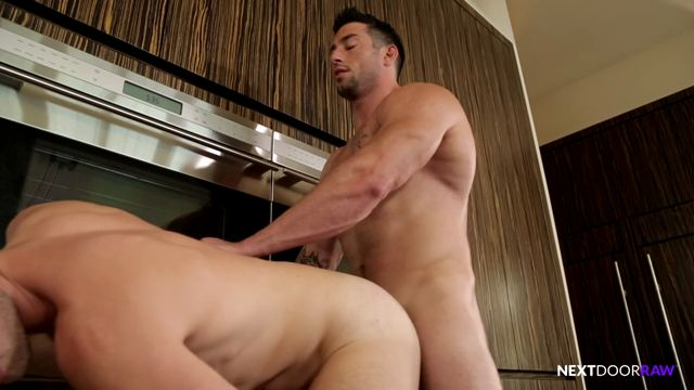 Watch Online Porn – Nextdoorraw presents Brandon Moore, Casey More in Keep it in the Family – 12.10.2016 (MP4, SD, 960×544)