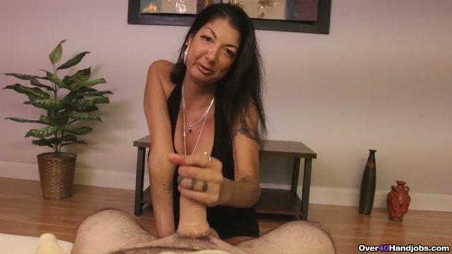 Watch Online Porn – Over40HandJobs presents Mrs. Nadia Nights Milking (MP4, HD, 1280×720)