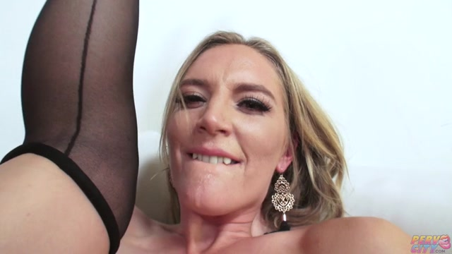 Watch Online Porn – PervCity – UpHerAsshole presents Mona Wales Squirts All Over – 13.10.2016 (MP4, SD, 854×480)