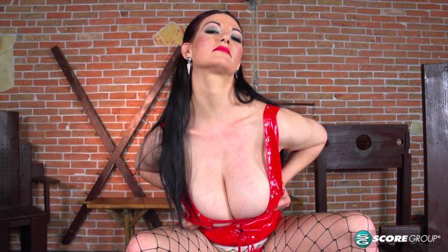 PornMegaLoad_presents_Vanessa_Y._in_Dungeon_of_Hooters_-_29.10.2016.mp4.00003.jpg