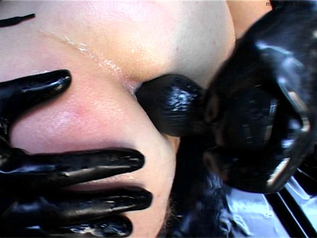 Schlagendegirls_-_Miss_Anna_-_Wrapped_in_transparent_solid_rubber.wmv.00009.jpg