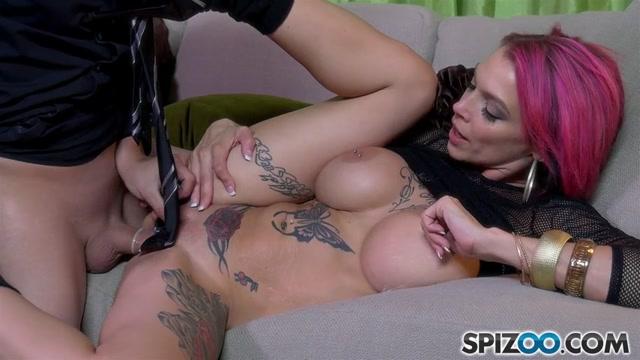 Spizoo_presents_Anna_Bell_Peaks_in_Hot_Stripper_-_25.10.2016.mp4.00009.jpg