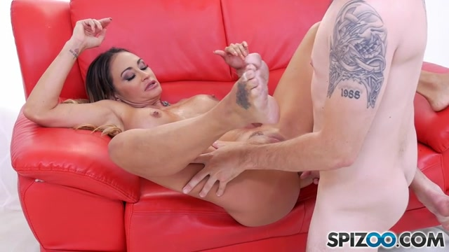 Spizoo_presents_Claudia_Valentine_in_Claudia_Pure_anal_-_31.10.2016.mp4.00006.jpg