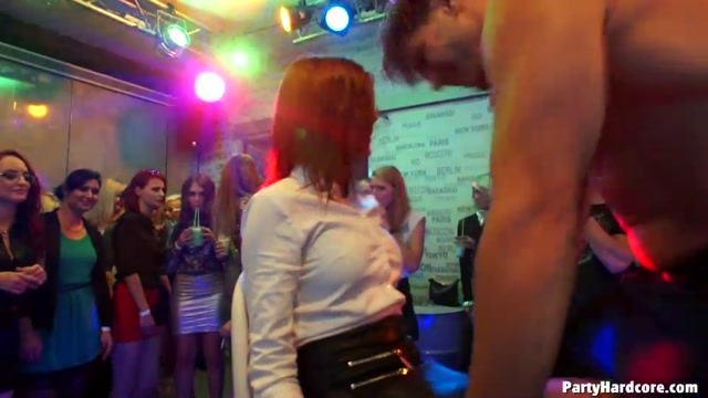 Tainster_-_PartyHardcore_presents_Party_Hardcore_Gone_Crazy_Vol._31_Part_1_-_17.10.2016.mp4.00009.jpg
